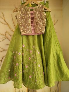 Choli Blouse Design, Choli Designs, Sari Blouse Designs, Blouse Styles, Indian Wedding Outfits, Indian Outfits, Party Wear Dresses, Bridal Dresses, Pretty Outfits