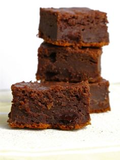 Low-Fat Fudgy Brownies | Feastie