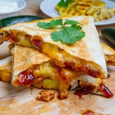 BBQ Chicken and Pineapple Quesadillas @keyingredient #cheese #chicken #cheddar