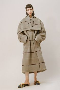 View the full Ports 1961 Pre-Fall 2017 collection.