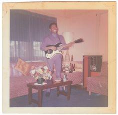 Anon., USA, 1965 Kodak colour snapshot, 3½ x 3½ ins. (8.5 x 8.5cm) © Fine Vernacular Photography