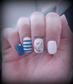 Niki's navy nail's