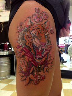 Tattoo leg tiger flower 50 ideas for 2019 Wolf Tattoos, Animal Tattoos, Tattoos For Women Small, Small Tattoos, Flower Leg Tattoos, Tree Sleeve, Tattoo Fonts Alphabet, Mantra Tattoo, Alphabet Style
