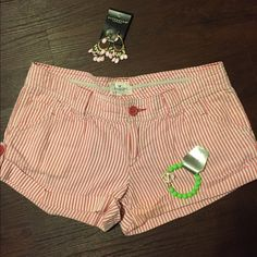 Sure be a hit this spring in these American Eagle Super cute pin stripe. Short shorts pair up with a t shirt and flip flops ✔️✔️. Smoke free home. Pls ask if you like more pics. Thank you kindly American Eagle Outfitters Shorts