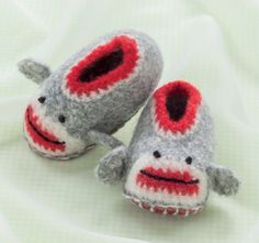 Final B1276 Crochet Baby Shoes.indd