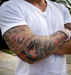 I like how there's obvious color but still black and white Koi Tattoo Sleeve, Japanese Sleeve Tattoos, Arm Tattoo, Samoan Tattoo, Polynesian Tattoos, Tattoo Ink, Neue Tattoos, Bild Tattoos, Body Art Tattoos