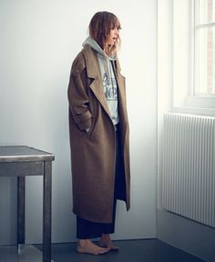 <3 <3 <3 hoody+ jacket + hair + barefoot + trousers length // Fashion Gone rouge