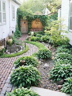 Side-Yard Solutions pretty little leafy side garden.with cobblestone and brick and hostas and climbing vines!pretty little leafy side garden.with cobblestone and brick and hostas and climbing vines! Small Backyard Design, Small Backyard Landscaping, Landscaping Ideas, Backyard Designs, Landscaping Software, Modern Backyard, Desert Backyard, Luxury Landscaping, Backyard Patio