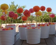 centros-de-mesa-infantiles-con-chuches-arboles-colores Baby Shower Table, Candy Bouquet, Rainbow Art, Ideas Para Fiestas, Plant Holders, Table Centerpieces, First Birthdays, Confetti, Diy Crafts