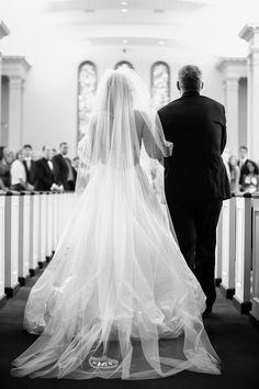 hello, gorgeous monogrammed veil | Justin DeMutiis #wedding
