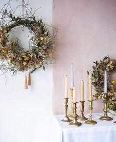 Dried Flower Wreaths, Greenery Wreath, Dried Flowers, Floral Wreath, Flower Studio, Winter Flowers, Farmhouse Christmas Decor, Flower Farm, How To Make Wreaths
