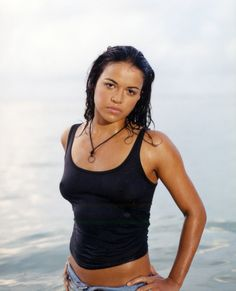 Michelle Rodriguez, hot but is so butch it's hard to believe she doesn't play for the all girl team. Michelle Rodriguez, Fast And Furious, San Antonio, Sport Tv, Billy Burke, Actrices Sexy, Sofia Vergara, Stunning Women, Resident Evil