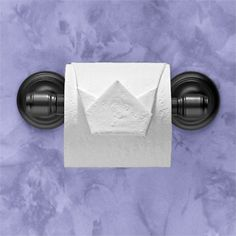 """Crown"" instructions in ""Toilet Paper Origami: Delight Your Guests with Fancy Folds and Simple Surface Embellishments"" by Linda Wright ♦ http://www.amazon.com/dp/0980092310/ Give your guests the royal treatment!"
