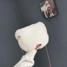 White Faux Fur Handbags Crossbody Chain Bag #chainbags White Faux Fur Handbags Crossbody Chain Bag