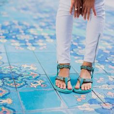 Classic looks never go out of style. Upgrade your summer fashion with a pair of Teva Original sandals.