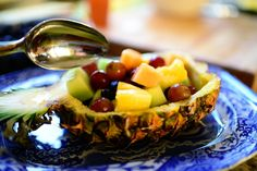 PW - Pineapple Fruit Bowls - great party idea!