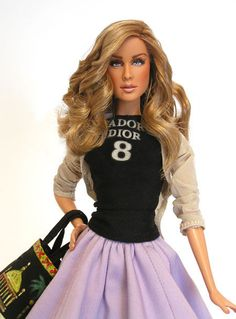 A Carrie Bradshaw Doll!?!? I want!