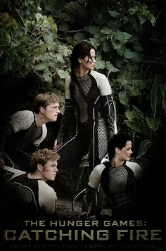 The Hunger Games Catching Fire Previews are already out!!!!!  Omg!!!!!  The guy right next to Peeta must be the one who hits on the girls a lot. What's his name again.... ugh.