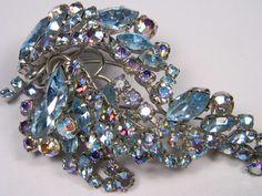 Vintage Brooch Aurora Borealis Elegant Classic  by dianadivine