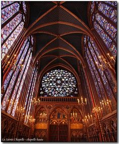 La Santa Capilla, también denominada Capilla real de la Île de la Cité, es un templo gótico situado en Île de la Cité, en el centro de la ciudad de París, Francia.