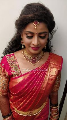 Hair and beauty wedding saree indian receptions, wedding saree blouse designs la Bridal Hairstyle Indian Wedding, South Indian Bride Hairstyle, Indian Bridal Sarees, Bridal Hairdo, Bridal Silk Saree, Indian Bridal Hairstyles, Indian Bridal Makeup, Bridal Beauty, Bridal Sarees South Indian