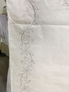 Marvelous Crewel Embroidery Long Short Soft Shading In Colors Ideas. Enchanting Crewel Embroidery Long Short Soft Shading In Colors Ideas. Border Embroidery Designs, Simple Embroidery, Learn Embroidery, Crewel Embroidery, Hand Embroidery Patterns, Ribbon Embroidery, Donia, Seed Stitch, Paint Designs