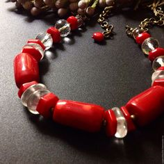 """Купить Колье """"Рио"""" с кораллами и кварцем - ярко-красный, украшения ручной работы, украшение на шею"""