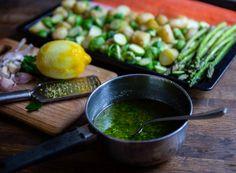 Laxsida på plåt med grönsaker - Zeinas Kitchen Mini Sandwiches, Palak Paneer, Fish Recipes, Ramen, Lunch, Ethnic Recipes, Food, Student, Eat Lunch