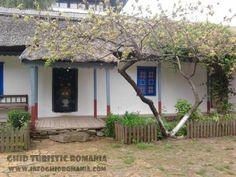 Muzeul Satului First Photo, Pergola, Outdoor Structures, Arbors