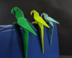 Origami Bird Tutorial on how to fold an Origami Paper Macaw Parrot design by Manuel Sigro. This origami parrot folded out off paper is extremely beautiful an...