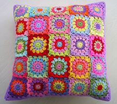 Patchwork cushion cover... Forro para Cojín tipo Mosaico...