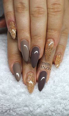 Having short nails is extremely practical. The problem is so many nail art and manicure designs that you'll find online Acrylic Nails Almond Glitter, Fall Acrylic Nails, Fall Nails, Gold Glitter, Glitter Nails, Grey Gel Nails, Glitter Art, Glitter Makeup, Colorful Nail Designs