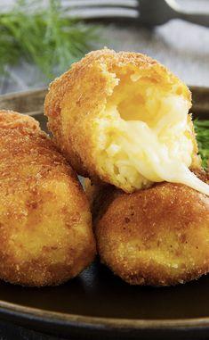 Croquettes de pommes de terre farcies à la mozzarella Plat Simple, Croque Monsieur, Beignets, Frittata, Mozzarella, Brioche, Ketchup, Bon Appetit, Baked Potato