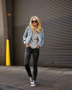 // Curtiram esse look? Básico despretensioso e fácil fácil de compor! Quer ver? É só arrematar o nosso tricô cinza all star preto e jaquetinha jeans. Do nosso closet pro dia-a-dia de vocês!  by reusebrecho http://ift.tt/1TOED3h