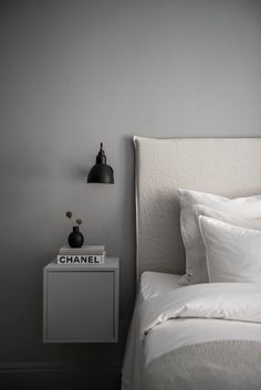 Ridiculous Tips: Minimalist Bedroom Budget Ideas minimalist decor bathroom inspiration.Minimalist Home Essentials Black White minimalist bedroom black inspiration.Minimalist Home Modern Minimalism. Interior Design Minimalist, Minimalist Bedroom, Minimalist Decor, Home Interior Design, Minimalist Kitchen, Minimalist Apartment, Minimalist Living, Minimalist Mirrors, Interior Colors