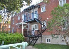 Réparation de balcon Construction, Deck, Patio, Mansions, House Styles, Home Decor, Balconies, Building, Decoration Home