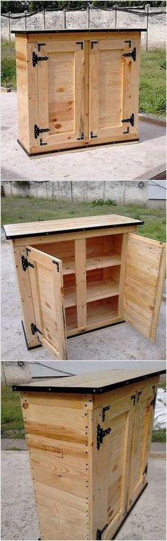 This wood pallet table is the mixed version of the media table along with the settlement of the cabinets in it. You can make the favorable use of the upper portion of the table for the media support and set the drawers for storage purposes. Try this awesome concept now!