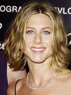 jennifer aniston is always a favorite of mine. i don't think i can pull off this center part or sleek top, but the waves are pretty in this chin-length wavy style.
