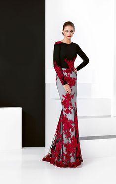ff756ee05 Vestido de fiesta con tul negro bordado de flores en hilo de seda rojo