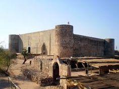 castelo de castro marim Algarve, Spain And Portugal, Architecture Old, Abandoned Places, Lisbon, Portuguese, Beautiful World, Monument Valley, Medieval
