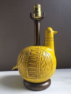 Rare ceramic bird form lamp, designed by Aldo Londi for Bitossi. bird is 10 x 8 inches. Living Room Lighting, Office Lighting, Decorative Floor Lamps, Best Desk Lamp, Traditional Lamps, Large Lamps, Italian Pottery, Brass Lamp, Unique Lamps