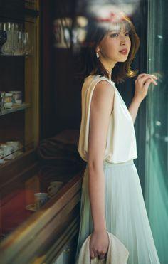 Baby Chloe, Uniqlo, Fashion Outfits, Womens Fashion, White Dress, Flower Girl Dresses, Feminine, Poses, My Style