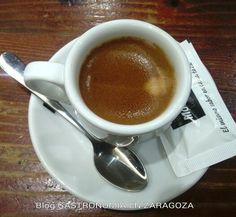 Exquisito Cafe Solo en el Bar Los Tres Elementos En Calle San Miguel,49