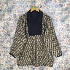 8682100253832 Bootleg FENDI ZUCCA Reversible Jacket Large Black Vintage 90s Fendi Zucca  Jeans Couture Italy Fendi Monogram Windbreaker Jacket Size L