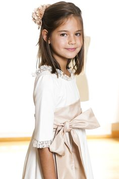 comuniones #PBN Girls Party Dress, Baby Dress, Girls Dresses, Flower Girl Dresses, Young Fashion, Kids Fashion, Girls First Communion Dresses, Première Communion, Bridal Gowns