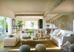 Classic Style Interior Design in White and Beige Home Living Room, Living Room Designs, Living Room Decor, Living Spaces, White House Interior, Home Interior Design, Unique House Plans, Design Your Own Home, Design Case
