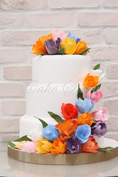 Tulips wedding cake..