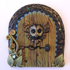 Wise Owl Fairy Door Pixie Portal Fairy Garden Door by Claybykim Fairy Garden Doors, Fairy Garden Houses, Fairy Doors, Fairy Gardens, Miniature Gardens, Dragon Medieval, Polymer Clay Fairy, Fairy Village, Kobold