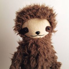 Bijou Kitty sloth doll http://knuffelsalacarteblog.blogspot.nl/2015/04/cute-lazy-and-cool.html