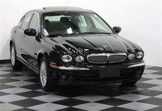 Mi amigo tiene un Jaguar.  Él tendrá un nuevo 350z pronto.